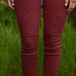 ••burnt red moto leggings••